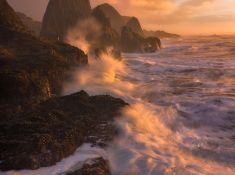 TIDAL IMPACT  - Oregon, USA